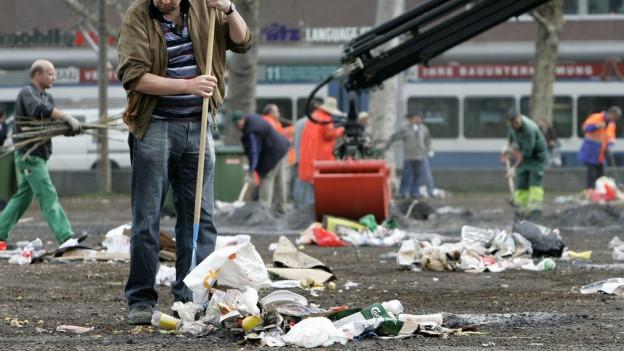 Menschen, die am Beschäftigungsprogramm der Stadt Zürich teilnehmen, erhalten weiterhin sechs Franken Stundenlohn.