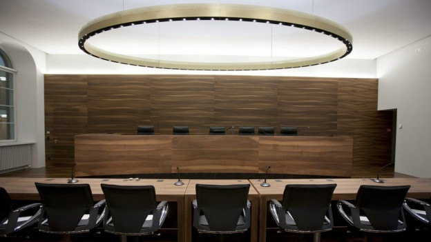Leerer Verhandlungsssaal des Züricher Obergerichts