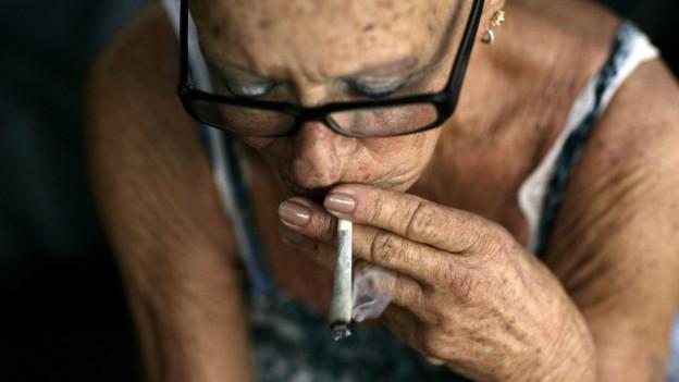 Wer Marihuana als Medikament konsumiert, soll es künftig in der Stadt Zürich einfacher haben.