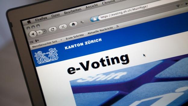 Zürcherinne und Zürcher müssen noch länger an der Urne abstimmen.