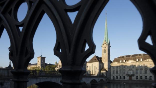Das Zürcher Fraumünster - eine Kirche mit spitzem Turm