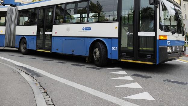 Am Samstagmorgen schoss ein Jugendlicher auf einen Trolleybus der VBZ.