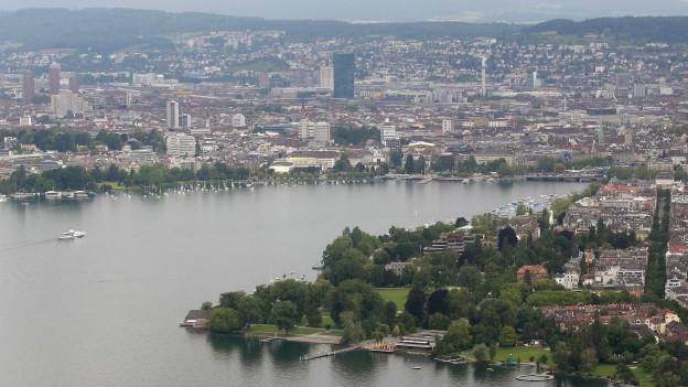 Luftaufnahme der Stadt Zürich.