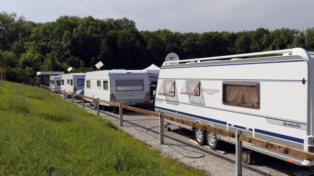 Wohnwagen auf einem Standplatz