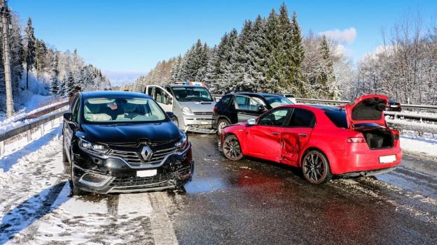 Der Unfall auf der A3 in Oberrieden.