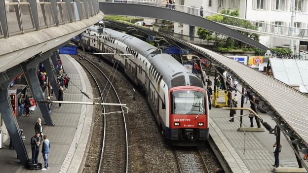 Das vierte Gleis am Bahnhof Stadelhofen bringt Entlastung - aber erst ab 2030.