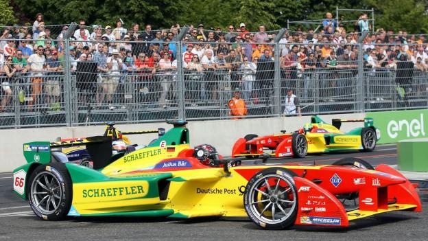Formel-E Auto auf der Strecke