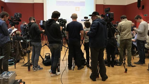 Grosses Medieninteresse an den ersten Erkenntnissen nach der Verhaftung.