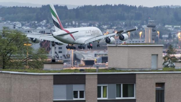 Ein Bericht zeigt: In der Nacht ist es rund um den Zürcher Flughafen zu laut.