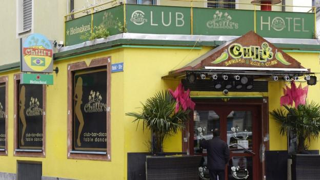 Bildlegende: Das Epizentrum der Affäre: Der Club im berüchtigten «Bermuda-Dreieck» im Kreis 4.