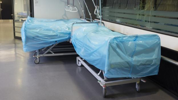 Leere Spitalbetten im Zürcher Triemlispital