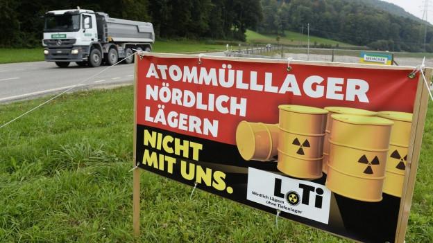Transparant mit der Aufschrift Atommülllager - ohne uns