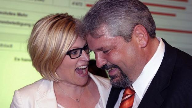 Die Winterthurer Stadträte Yvonne Beutler und Michael Künzle bei den Wahlen im Jahr 2012.