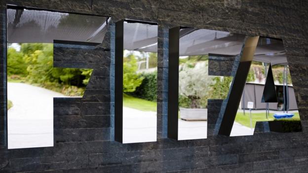 Die Besteuerung der Fifa wird Thema im Kantonsparlament. Ändern dürfte sich allerdings nichts.