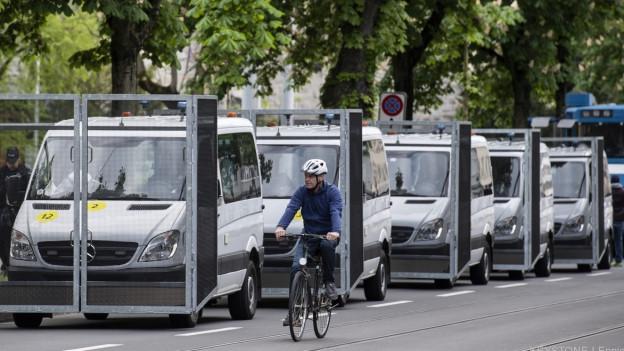 Kastenwagen der Stadtpolizei Zürich