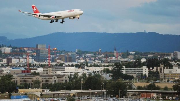Zürich behält Anteile am Flughafen.