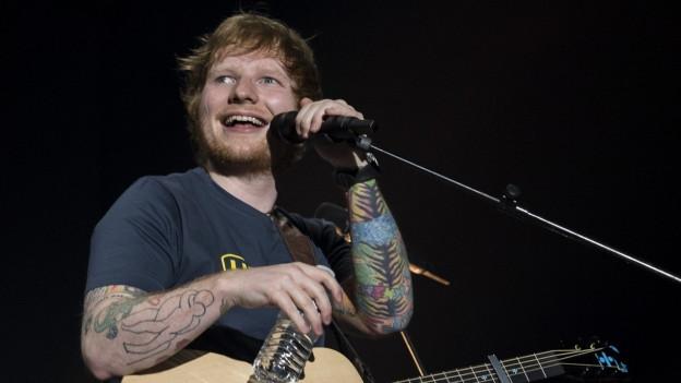 Ed Sheeran auf der Bühne im Hallenstadion Zürich