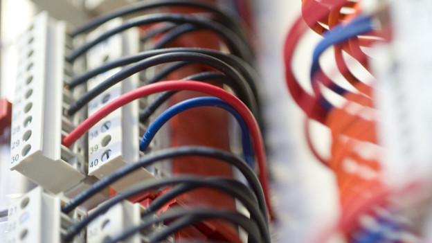 Kabelverbindungen in einem Unterwerk der EKZ