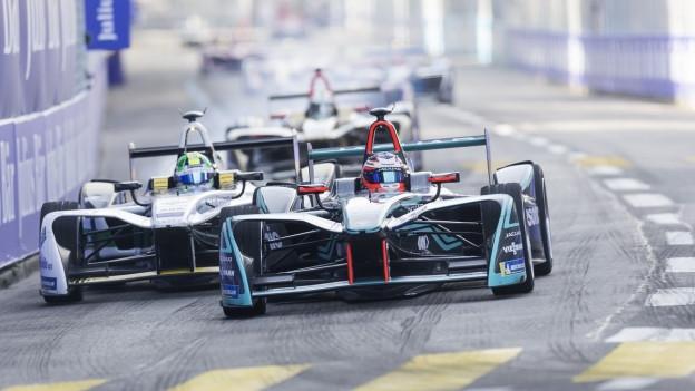 Formel E-Boliden rasen durch Zürich