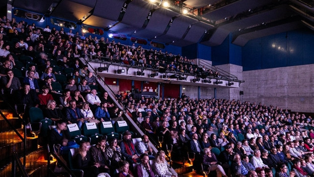 Zuschauer an der Verleihung der Filmpreise in Winterthur.