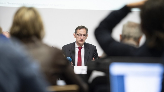 Sicherheitsdirektor Mario Fehr an einer Medienkonferenz.