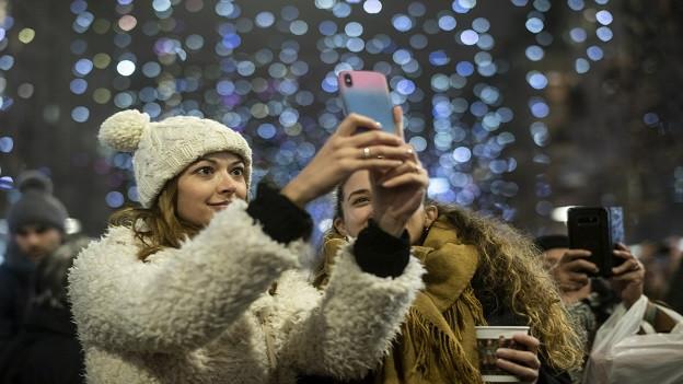 Weihnachtsshopping in Zürich wird immer beliebter.