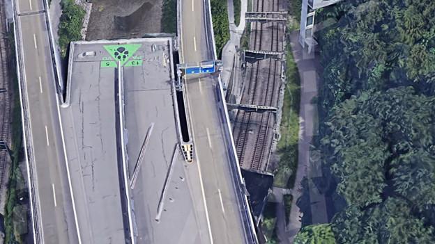 Luftaufnahme des Autobahnstummels A3 in Zèrich