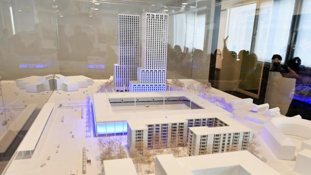 Modell des neuen Stadions mit den beiden Türmen