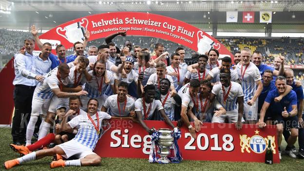 Pokal für den FCZ.