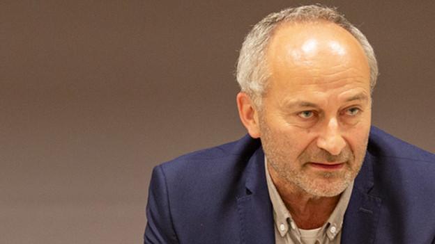 Portrait von Konrad Langhart, ehemaliger Präsident der Zürcher SVP.