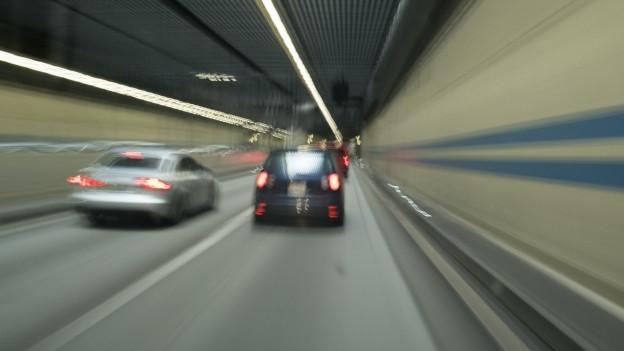 Mit mehreren Vorstössen will die SVP in den Verkehr eingreifen.
