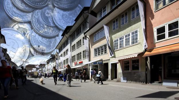 """Altstadt von Winterthur vor """"Geldhimmel"""""""