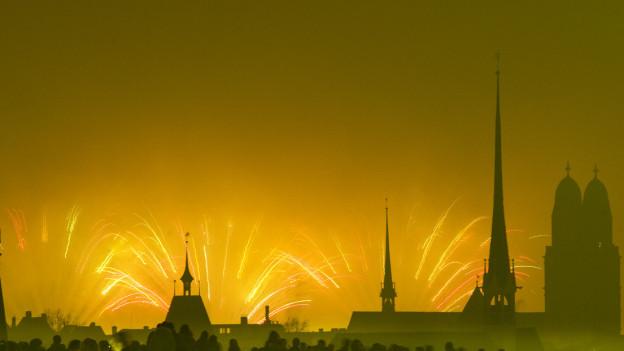 Feuerwerk über der Stadt Zürich