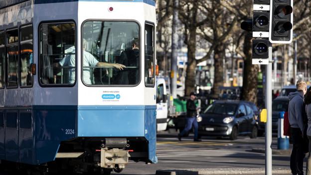 Für das Gesundheitspersonal sind wieder mehr Trams unterwegs.