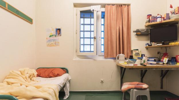 Der Kanton entlässt sieben Personen aus dem Klotener Gefängnis.