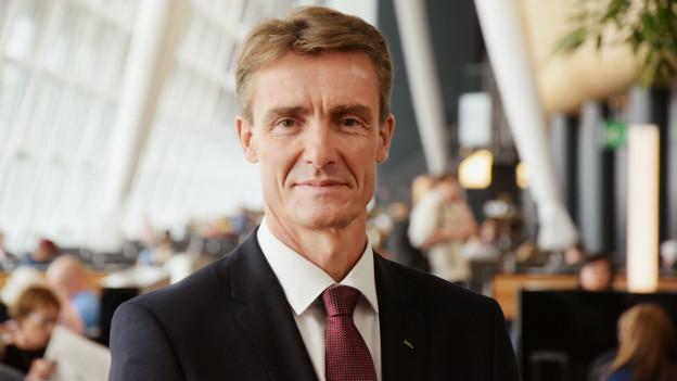 Wieder leicht optimistisch: Flughafenleiter Stefan Tschudin.