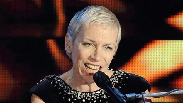 La chantadura scozzaisa Annie Lennox vi dal chantar.