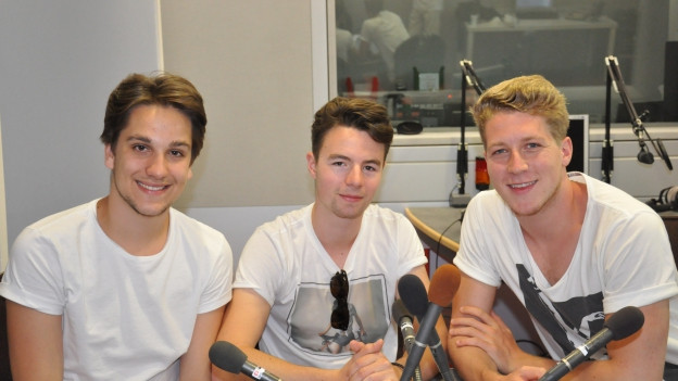 Trio grischun Tawnee en il studio dal Radio Rumantsch.