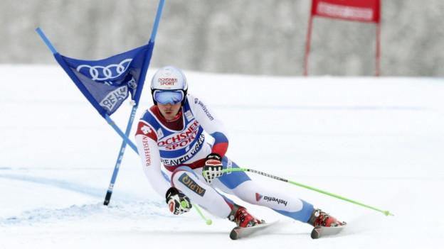 Carlo Janka vi dad ir cun skis.