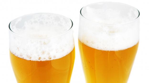 Dus glas cun biera.