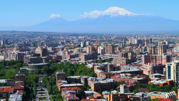 La citad Yerevan en l'Armenia.