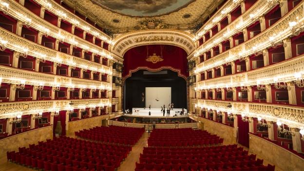 L'opera San Carlo dad endadens.