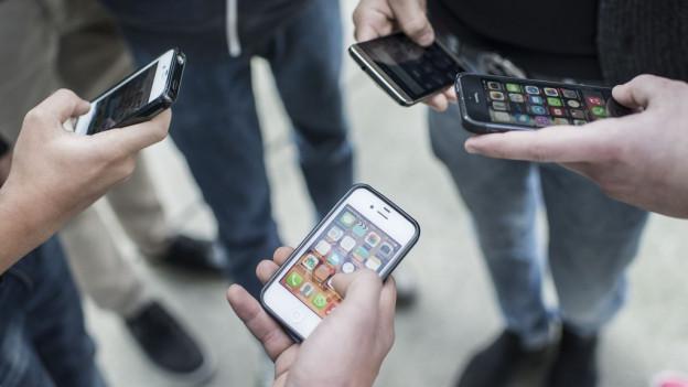 Smartphones cun apps.