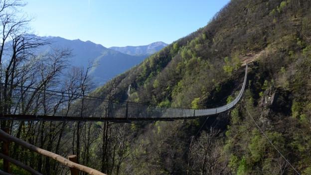 Ponte Carasc – la punt en stil tibetan.