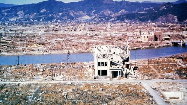 Hiroshima suenter la bumba atomara.
