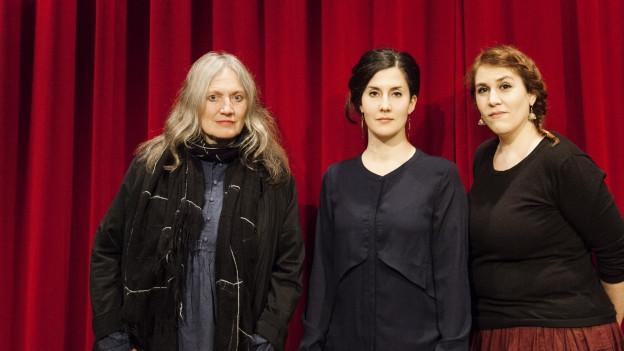 Purtret da Corin Curschellas, Ursina Giger ed Astrid Alexandre.