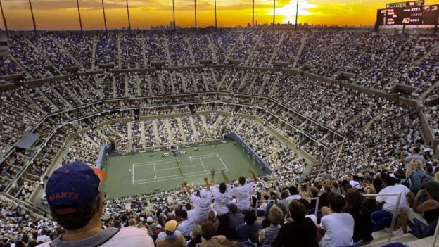 Stadion da tennis Arthur Ashe cun blera glieud.