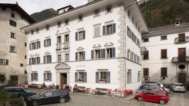 L'hotel Palazzo Salis amez il cumin Soglio.