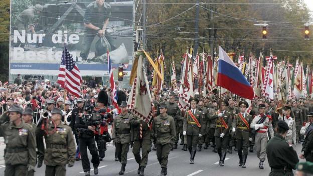 Schuldada marscha tras Vienna.