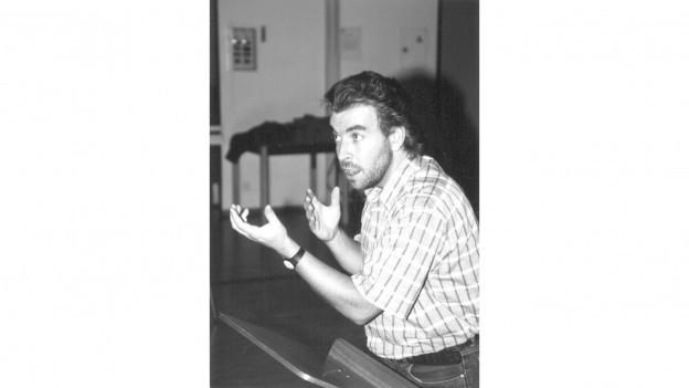 Fotografia d'Alvin Muoth durant ina registraziun.